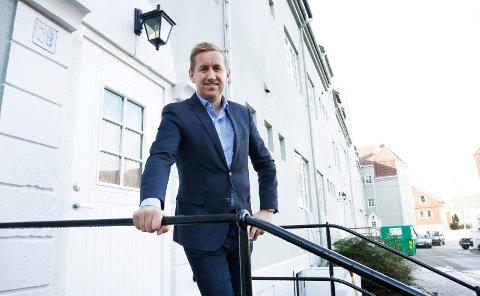 ALLE ER SOLGT: Øyvind Hasseløy i Meglerhuset Rele har nå solgt 54 av de totalt 54 leilighetene i «De tusen hjem». I tillegg har han solgt fire av leilighetene på ny igjen for privatpersoner.