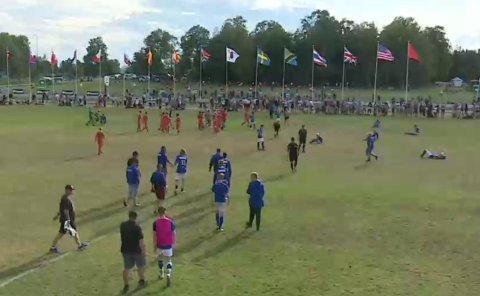 MIL-spillere ligger utslått på banen etter tapet for Aalesund i semifinalen.
