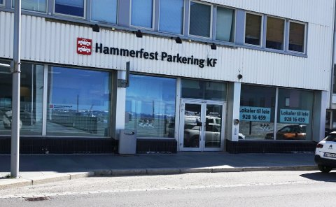 - FEIL: Hammerfest Parkering KF gikk igjennom parkeringsappen på styremøte, og sier det er feil at man ikke får informasjon om prispåslag.