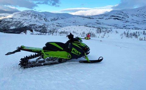 SNØSCOOTEREN: Dette er snøscooteren som ble stjålet.
