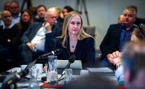 STYRELEDER: Renate Larsen har vært styreleder i Helse Nord siden november 2018. Her er hun avbildet under et styremøte i Bodø.