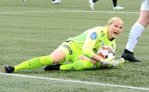 GOD: Kathrine Larsen hadde mye å gjøre mot Rosenborg. Den danske keeperen forhindret et større tap.