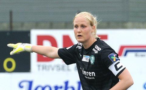 BARE TO BAKLENGS: Klepp-keeper Kathrine Larsen slapp unna med to baklengs mot LSK.