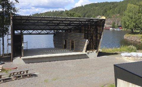Tar form: Den nye scenen i Eidsfoss begynner virkelig å ta form.foto: jarl Rehn-Erichsen