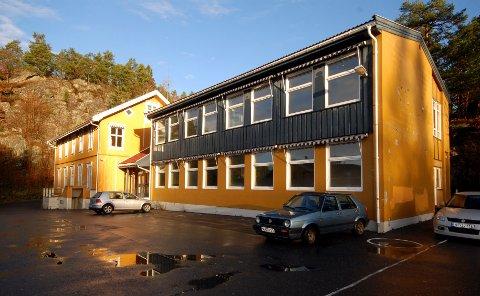 Festen skal ha vært på Årø skole.