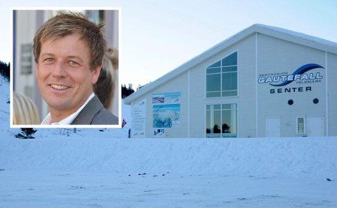 AVDELINGSKONTOR: Sørmegleren åpner avdelingskontor i bygget til Gautefall skisenter. Daglig leder Kent Andersen ser fram til satsingen. (Begge foto: Per Eckholdt)