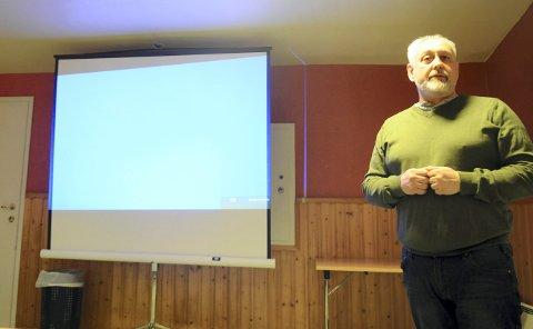Arve Nesthorne, Venstre-politiker, fikk applaus da han sa at mobbingen i Flesberg angår hver og en av innbyggerne.