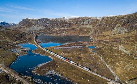 Det jobbes for å få tuneller på Hardangervidda. Nå viser ferske tall fra Statens vegvesen at stadig flere velger Riksvei 7 over Hardangervidda som en hovedvei til Oslo/Bergen