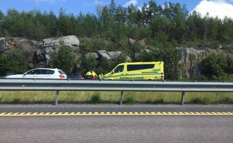 SINGELULYKKE: Alle nødetater rykket ut til en singelulykke på Raukerud torsdag ettermiddag.