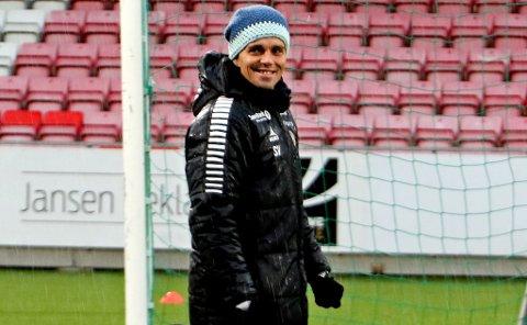 SMILER GODT: Simo Valakari vil gjerne se noen poeng på tavla igjen, og håper det skjer mot Molde. Da skader det ikke å kunne plukke ut Gjermund Åsen og Kent-Are Antonsen igjen.