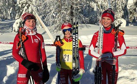 HJEMMESEIRER: Denne trioen sørget for hjemmeseirer på Snauhaug i helga. Fra venstre: Anne Birgit Dokken, Lene Jøranli og Sara Agnethe Granvang Tronrud.