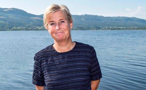GLAD I DOKKADELTAET: Når Mona Tønnesland Tholin skal kople av setter hun seg i kajakken og padler oppover i Dokkadeltaet.