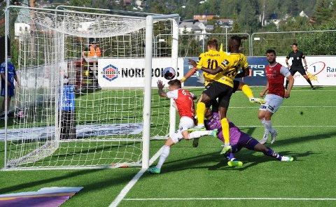 MÅL: Her scorer Teodor Haltvik for Raufoss.