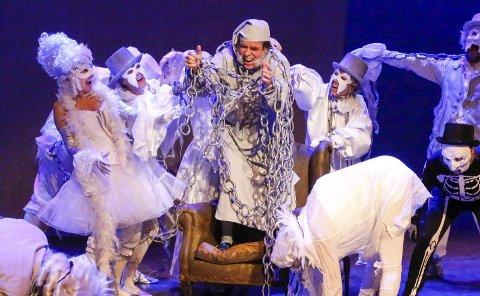 Gode tilbakemeldinger: Ebenezer Scrooge fikk  mange ubehagelige besøk i Sal 1 i Kolben i høst.