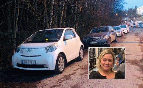 Kicki Bornström ble sjokkert over alle som hadde fått parkeringsgebyr på innfartsparkeringen ved Vevelstad stasjon onsdag. Håpløst! De kunne i det minste gitt oss en advarsel først, mener togpendleren.