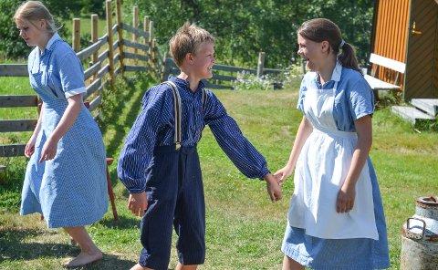 LEK OG ALVOR: Jørgen Haraldsen og Anne Utter spiller i teaterstykket «Mattisrud Sammarstid», som har første forestilling fredag 29. juni.