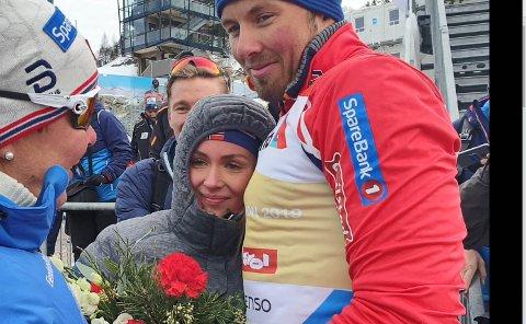 STERKT MØTE: Her møter Marte Emilsen kjæresten Emil Iversen etter at han og Johannes Høsflot Klæbo ble verdensmestere i sprintstafett.