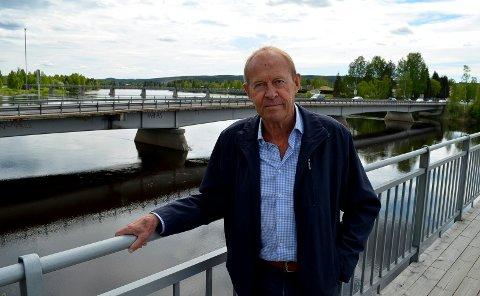 SLAPP Å SPRENGE: Cato Nabseth er glad han slapp å sprenge Glåmbrua under flommen for 25 år siden.