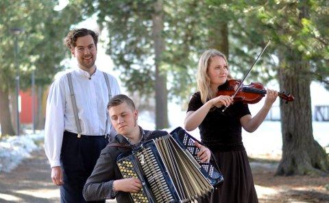 Fredholms trio: Evald Fredholm, Ole Nilssen og Elin Marie Christensen.