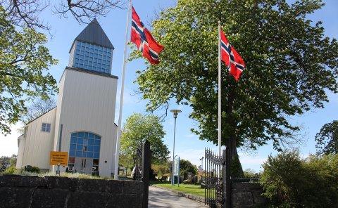 Siden alle kirkene er pålagt å holde stengt i påsken, blir det laget digitale gudstjenester fra Langesund kirke som vil bli vist på menighetens Facebook sider.