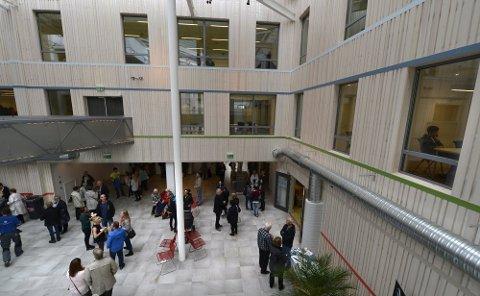 Fra høsten av blir det åpnet for en Master of Public Administrasjon på Campus Helgeland i samarbeidet med UiT. Foto: Øyvind Bratt
