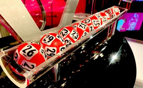 LØNNSOMME TALL: Kulene som gjorde en kvinne fra Nannestad til Lotto-millionær lørdag.