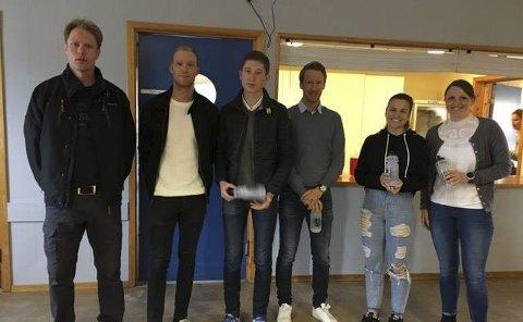 Eldste: De beste av de eldste med sine premier. Fra venstre: Mads Breda, Magnus Moss Olsen, Hans Kristian Evensen, Gjermund Bolstad, Kaja Danda og Turi Nestegård.