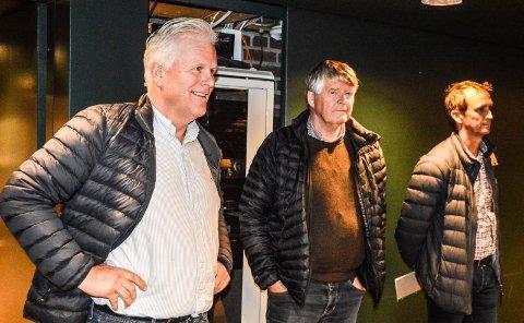 TILHØRERE: Representanter for Torp Næringsutvikling, f.v. Torger Lingelem, Kjell Edvard Nilsen og Bjørn Vidar Eriksen, var nysgjerrige på planutvalgets behandling av Torp-striden. Etter møtet forlot de tilfreds galleriet i kommunestyresalen.
