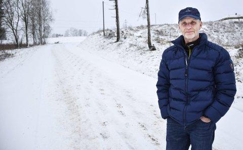 SKUMMEL BAKKE: De mange bakkene i Revaugveien i Askim kan være meget skumle hvis det ikke blir brøytet og strødd skikkelig. Ifølge Håvard Knutsen gikk det i sist uke 12 timer mellom brøytingen og støingen av veien.