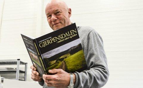 SELGER GODT: Boken om Gjerpensdalen, skrevet av Thorbjørn Wahlstrøm.