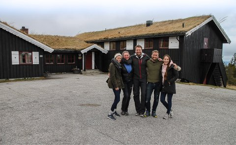 NYE DRIVERE: Sandra Kallestad, Gunhild Grav, Andreas Eikrem Bjørndalen, Torbjørn Kallestad og Ann Kristin Skogen har spleiset på drømmeprosjektet på Lifjell.