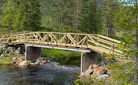 GRUNNÅI: To nye gang- og sykkelbruer på Slåka gjør at nye fjellområder åpner seg for både turgåere og syklister.