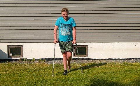 Linus opplevde marerittet på klassetur da han skadet foten etter å ha hoppet fra en brygge.