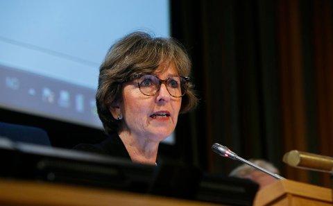 BUDSJETTBEHANDLING: Ordfører Lisbeth Hammer Krog (H) og resten av kommunestyret behandler budsjettet for 2018.