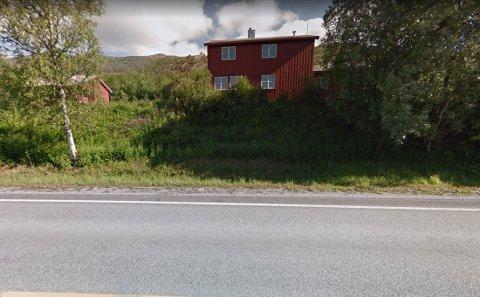 Togstasjonen: I dette området på Oteråga stasjon fant paret på en haug med trøbbel.