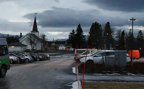 Valesfjord kirke og Fauske kirke åpnet klokken 16.00.