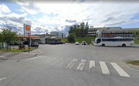 Det er varslet oppstart av detaljregulering for bussterminalen i Fauske sentrum. Foto: Google maps