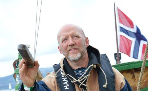 Da kvinnen besøkte Ulf Mikalsen trodde han at hun skulle se på båter. Hensikten med besøket var noe helt annet.