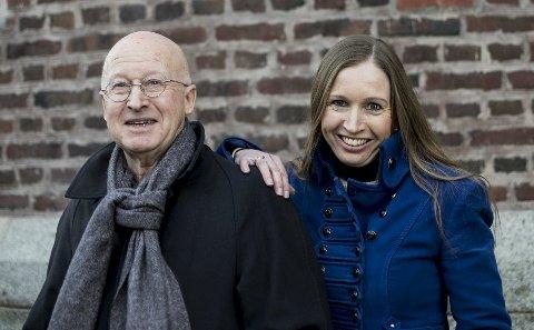 Geir Kjell Andersland mener datteren gjør en god jobb som kulturbyråd. Selv var han byråd i samme avdeling, som den første byråden i byens historie. Sommeren år 2000 skiftet Bergen kommune om til byparlamentarisme.