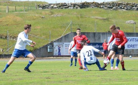 I aksjon: Lagene møttes på Kvitsøy tidligere denne sesongen. Da endte det 3-3.