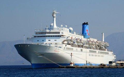 VIL HA FLERE: Thomson Celebration er det eneste cruiseskipet som kommer til Ferdrikstad i sommer. Nå håper man at trenden har snudd, og at man på sikt vil ha 15 anløp i året.
