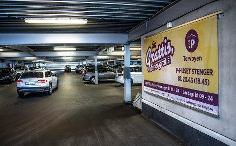 GRATIS: Politikerne vil fortsatt ha gratis parkering ettermiddager og lørdager her i Cityterminalen.