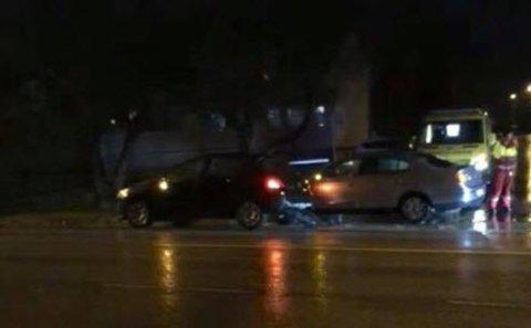 To biler kolliderte mandag ettermiddag på Torp. Ingen kom til skade som følge av uhellet.