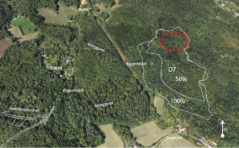 SNAPSRØD: Deponiområde 7. Området for lagring av bunnrenskemasser markert med rød sirkel.