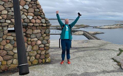 VED MÅLET: Nøyaktig åtte timer brukte Jørgen Kaupang-Marthinsen på å gå fra Falkensten til Verdens ende.