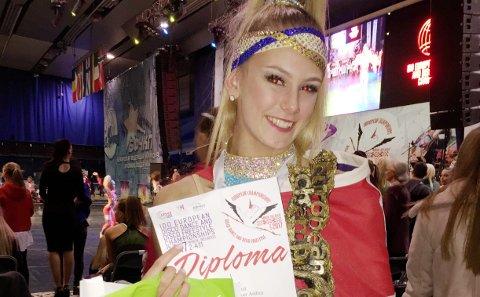 Vant: Kongsvinger-jenta, Andrea Løvlien Solbjør (17) ble torsdag europamester i Disco Freestyle Solo, som er dans med akrobatikk. Mesterskapet går i Minsk i Hviterussland. bilder: Ida Craig