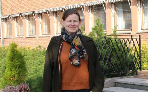 Kommuneoverlege Jorun Slettli i Åsnes er en av 125 kommuneoverleger som har skrevet under på et opprop der de er kritiske til at Storting og regjering setter seg selv foran andre grupper i vaksinekø.