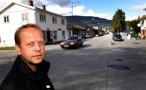 Magnar Bratlien er både leder i planutvalget og styreleder i  DNT Gudbrandsdalen. Han ble erklært inhabil da utvalget behandlet Dronningsetra-saken.