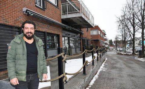 Utvider med nytt spisested: Mehmet Gunes driver restauranten Saray Steak House på Gjøvik. Nå åpner han nytt spisested i Moelv.