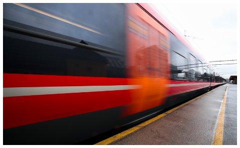 I FARE: Nok en gang ser det ut som utbygging av dobbeltsporet jernbane til Lillehammer, utsettes.